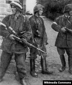 Varşava üsyançıları, 1944