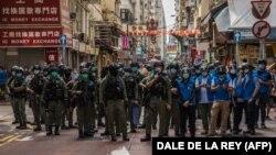 У Гонконгу уряд використав пандемію як привід для відтермінування виборів до законодавчих органів на рік