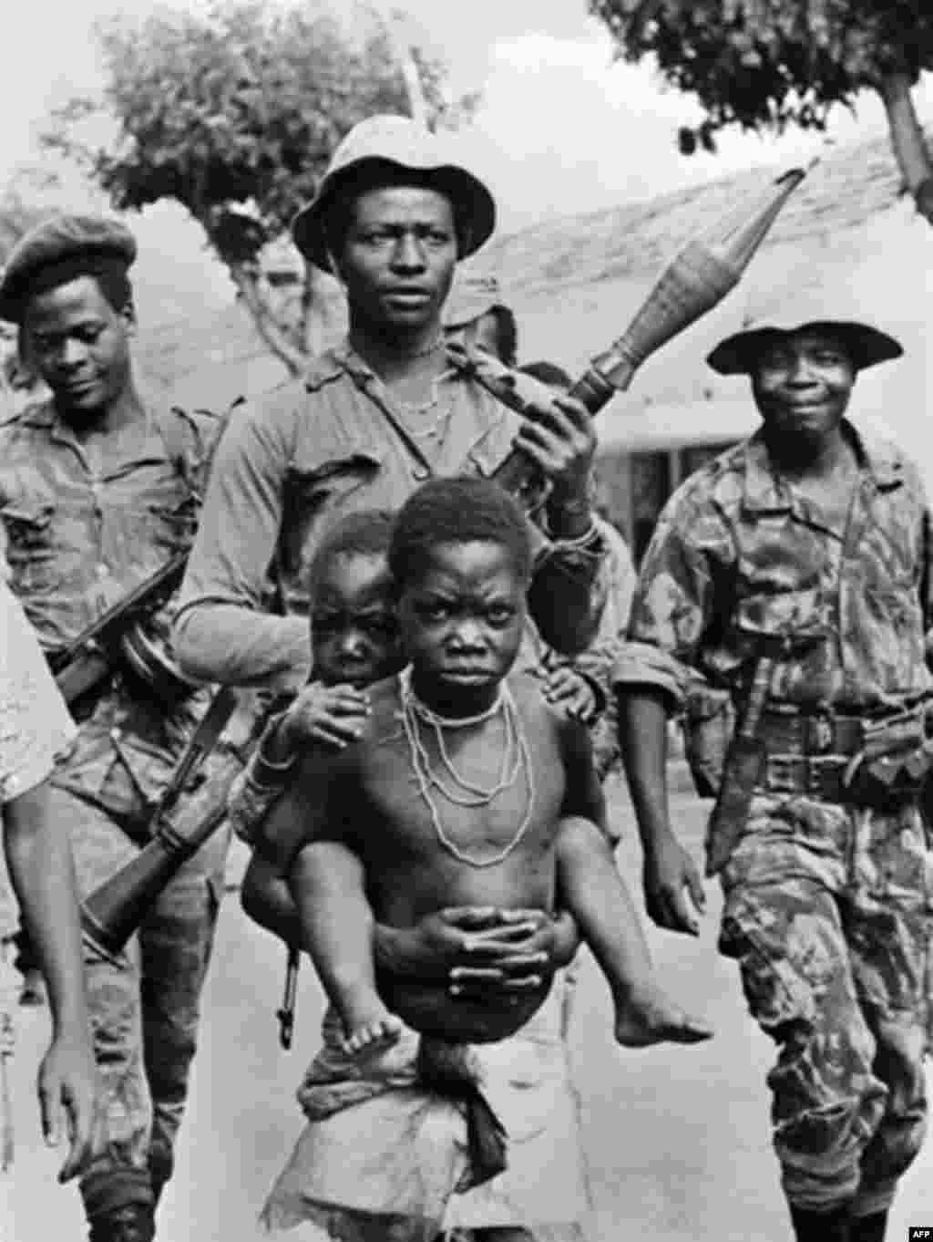 Marxist MPLA fighters in Angola in 1974 (AFP) - Angola gained its independence from Portugal in 1974 and was immediately plunged into civil war. The fighting was formally ended in 2002, making the 27-war Africa's longest-running conflict. An estimated 500,000 people were killed in the war, which was widely viewed as a Cold War surrogate conflict. Both the Soviet bloc and the United States provided military and other assistance to the factions involved.
