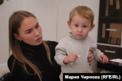 Анастасия Любезных, жена Ровшана Алиева, с сыном