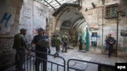 Израильская полиция патрулирует улицы Иерусалима. 4 октября 2015 года. Иллюстративное фото.