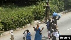 Кот-д'Ивуар. Мирное население бежит от войны