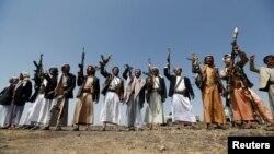 گروهی از افراد یکی از قبایل متحد حوثیها