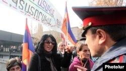 Pamje nga protesta, 26 nëntor