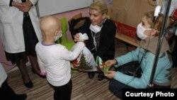 """Акција на Здружението на граѓани за лица со дисфункции, хендикеп ретки болести и посебни потреби """"Дајте ни крилја"""" од Скопје."""
