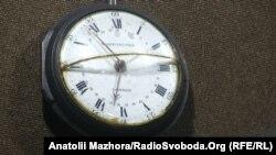 Кишеньковий годинник Сковороди з написом на звороті:«Через Стефана Гречину дарую».