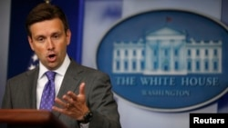 U.S. -- White House Deputy Press Secretary Josh Earnest speaks to media during the daily briefing at the White House in Washington, August 21, 2013.