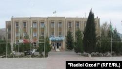 Бинои ҳокимияти маҳаллии ноҳияи Қубодиён.