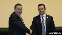 Марат Муратов (слева)