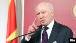 Посредникот во разговорите за спорот за името, амбасадорот Метју Нимиц