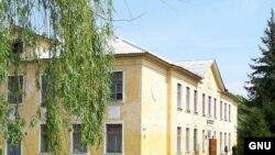 Независимые, свободные школы - одна из целей, намеченных в послании президента РФ Федеральному собранию. Однако свободу каждой школе надо завоевывать самостоятельно, полагают эксперты