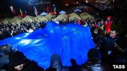 Ուկրաինա - Բողոքի ցույցը և ցուցարարների խփած վրանները Կիևի կենտրոնում, 24-ը նոյեմբերի, 2013թ․