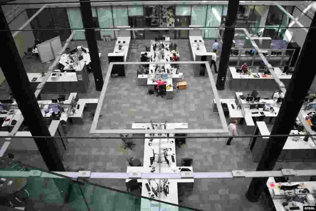 Centralni desk u novoj zgradi RSE