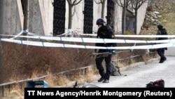 Полиција на местото на експлозијата во Стокхолм