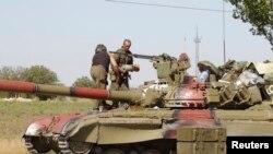 Украинские военнослужащие в Мариуполе, 5 сентября 2014