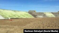 Позеленевшие склоны на участке трассы «Таврида»