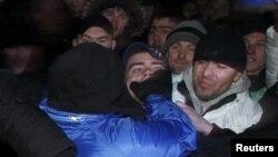 Москвада бийликчил жана оппозициялык кыймылдардын кагылышы. Moсква, 6.12.2011