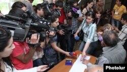 Երեւանի ավագանու մայիսի 5-ի ընտրություններ. ընտրատեղամասերից մեկում խնդիրներ են առաջացել