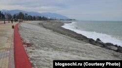 Сочынцы ў шоку: у бэтон укачалі 2 км пляжу