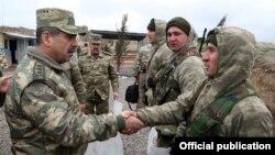 Ադրբեջանի պաշտպանության նախարար Զաքիր Հասանովը այցելում է զորամաս, արխիվ