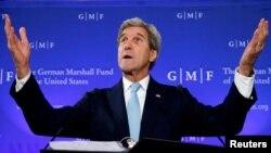 """Белги -- Iамеркин Пачхьалкхан секретаро Керри Джона къамел дина Брюсселехь """"The German Marshall Fund"""" олучу фондехь, ГIад.4, 2016"""