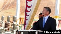 Президент КР Алмазбек Атамбаев
