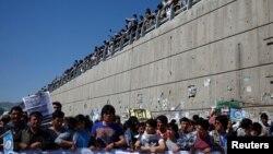 Хазарейцы в Кабуле требуют проложить к ним электричество