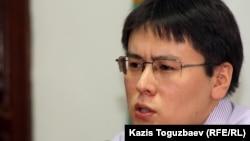 Жанболат Мамай, лидер молодежной организации «Рух пен тiл». Алматы, 13 июля 2012 года.