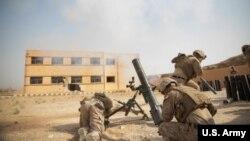 Američki marinci u akciji u sirijskoj provinciji Deir al Zor.