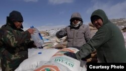 Humanitarian aid was delivered to ethnic Kyrgyz living in the Pamirs in Afghanistan. Photo of the press service of the government.