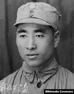Линь Бяо в унифоме Национально-революционной армии, 1930-е гг.