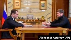 Премьер РФ Дмитрий Медведев встречается с главой Чечни Рамзаном Кадыровым (архивное фото)