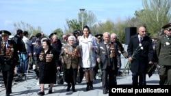 Armenia -- Armenian war veterans visit Armenian Genocide Memorial, Yerevan, 14Apr2015