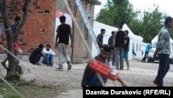 """""""Ovdje ima ljudi sa slomljenim rukama i ozljedama"""", kaže Pakistanac Salim (na fotografiji: kamp Vučjak)"""