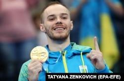 Олімпійського чемпіона зі спортивної гімнастики Олега Верняєва відсторонено на 4 роки. Його звинувачують у вживанні допінгу
