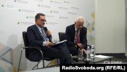 Карлос Кастресана презентує звіт Міжнародної антикорупційної консультативної ради