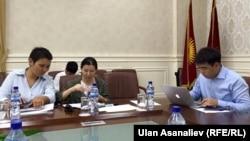 Қырғыз депутаттары БАҚ туралы заңды қарап отыр. Көрнекі сурет