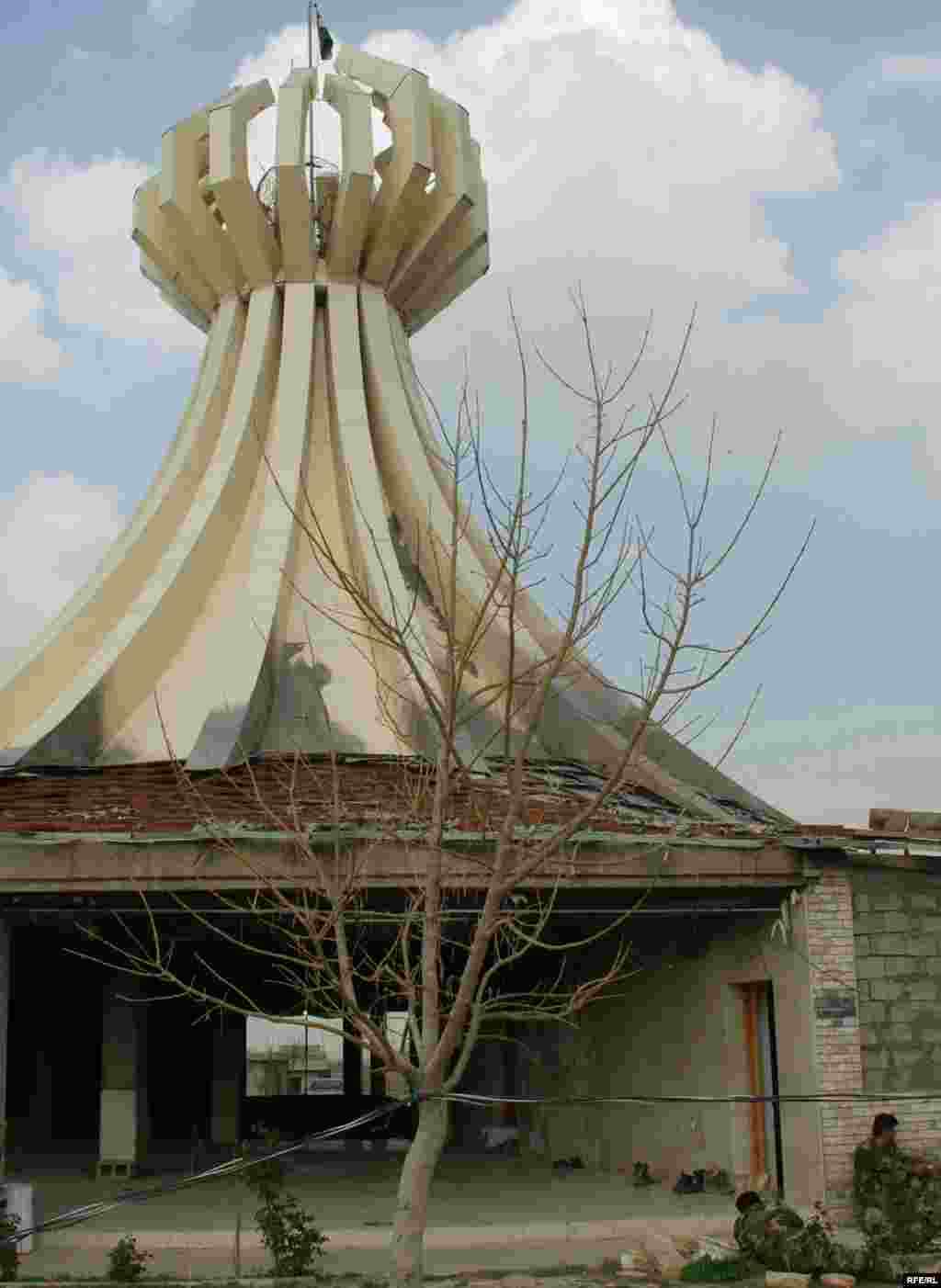 بنای یادبود قربانیان حلبچه.