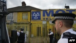 Polițiști laBarking, estul Londrei, 5 iunie 2017