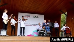 Тимур Фазлыев концертта чыгыш ясый