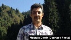 Мустафа Демир, учитель из Турции, работавший в Казахстане и переехавший в Индонезию.