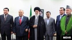 دیدار سران کشورهای همسایه ایران با رهبر جمهوری اسلامی در مراسم جشن جهانی نوروز سال گذشته.