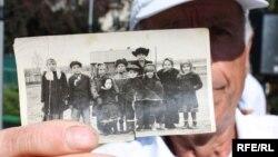 Un supravieţuitor al Gulag-ului la un miting în Chişinău pentru comemorarea victimelor deportărilor