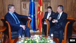 Еврокомесарот за проширување Штефан Филе на средба со претседателот на Собранието Трајко Вељаноски.
