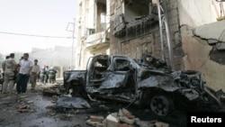 Бағдадта жарылған көлік. Ирак, 13 маусым 2012 жыл.