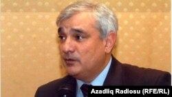 Azerbaijan -- writer Kamal Abdulla, 2003