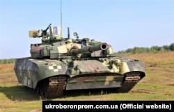 Український танк «Оплот»