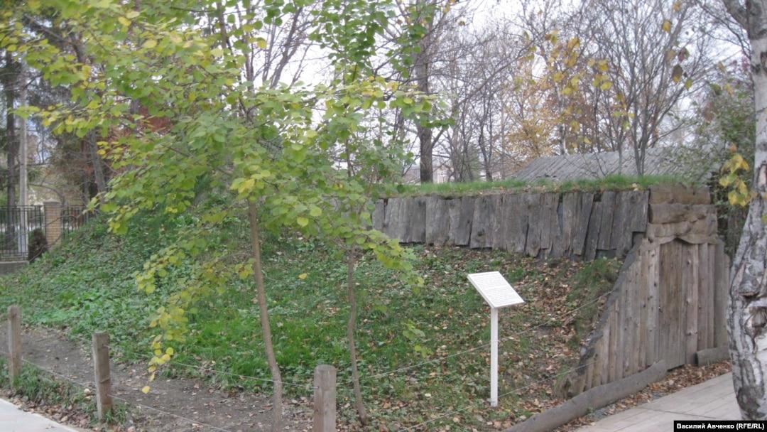 Зимнее жилище нивхов. Южно-Сахалинский краеведческий музей