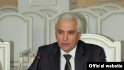 Tajik Foreign Minister Hamrokhon Zarifi participates in Tajik-U.S. talks in Dushanbe on April 11, 2012