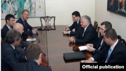 Armenia - Foreign Minister Edward Nalbandian meets with senior officials from the Swedish and Polish foreign ministries, Yerevan, 11May2015.